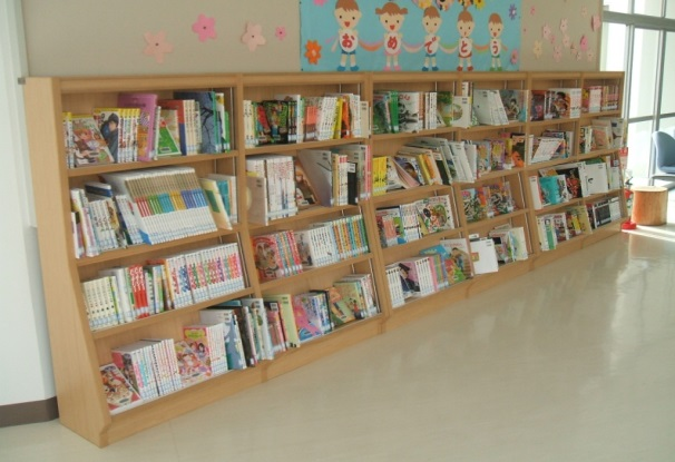 さぬき市立さぬき南小学校に学校図書、書架等購入